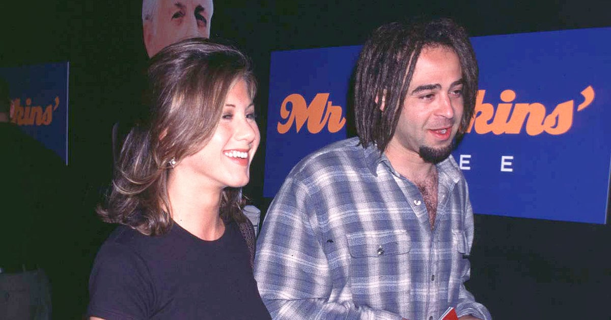 jennifer-aniston-adam-duritz-0b68f57e-aabf-46e8-bb69-2d3a9190c0c0