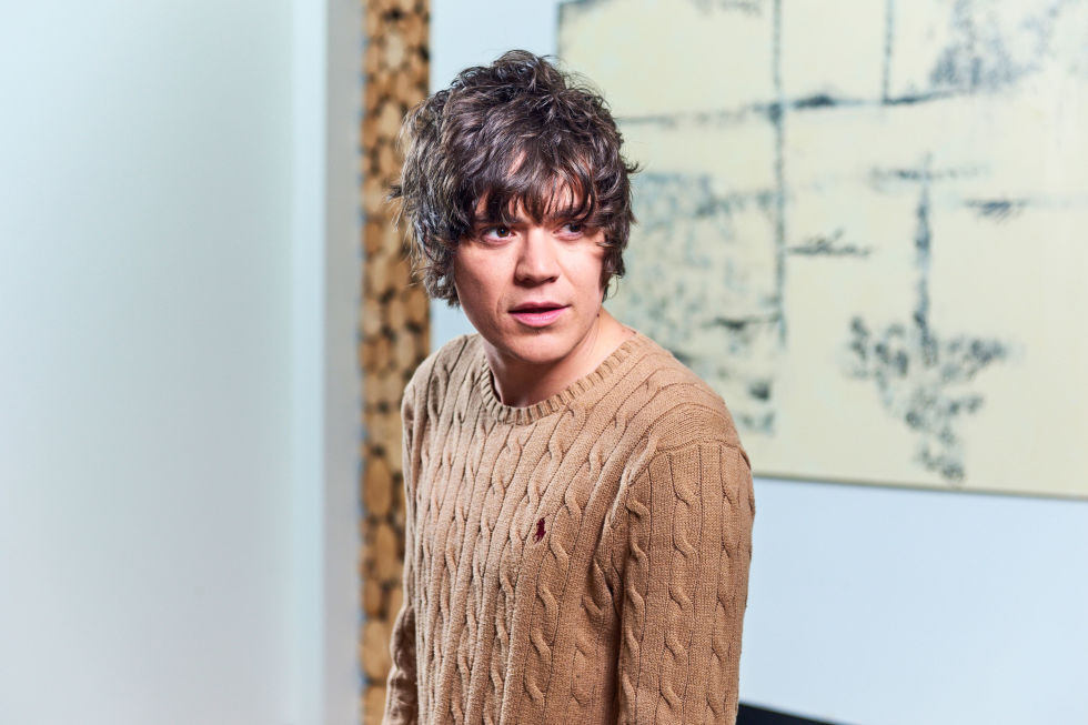 gallery-frankie-cocozza-celebs-go-dating-1